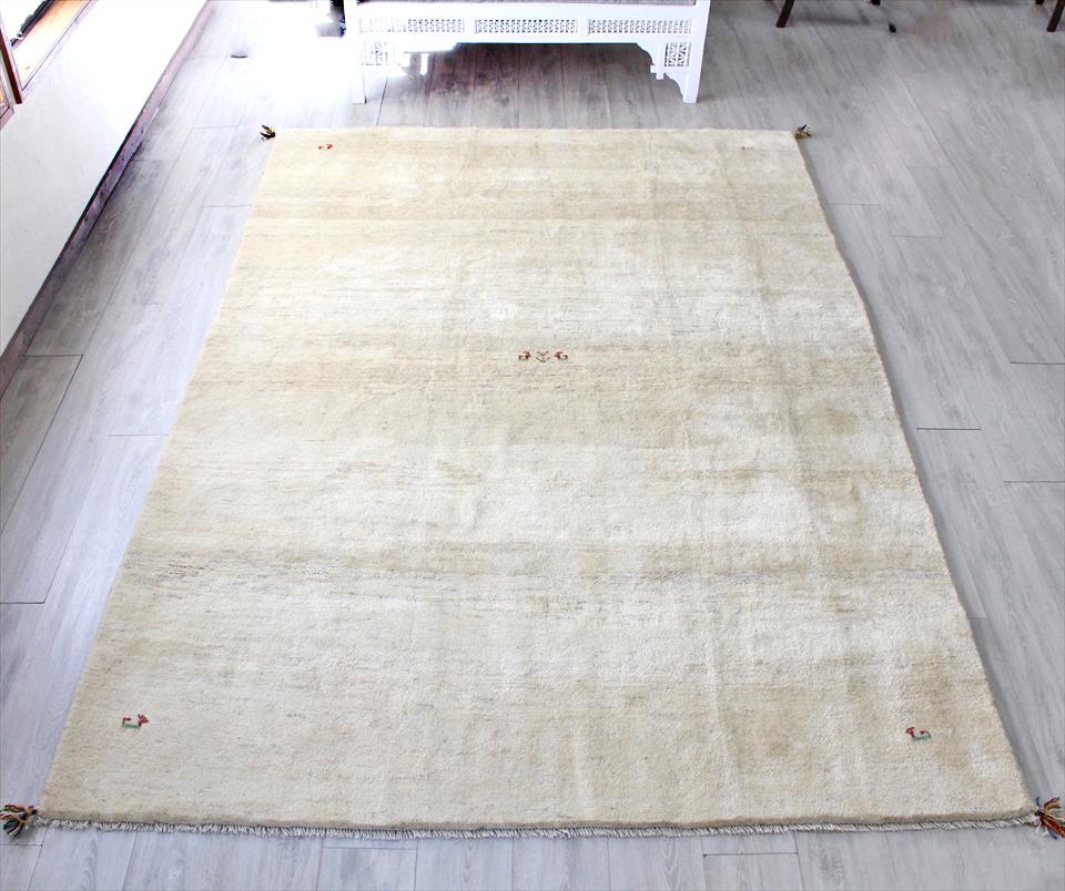 ラグ・ギャッベ(ギャベ)カシュカイ族の手織りラグ・大型サイズ295x200cm ナチュラルアイボリー・動物と植物モチーフ
