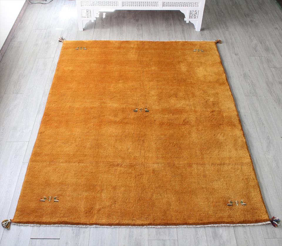 ギャッベ ギャベ(Gabbeh)カシュカイ族の手織りラグ・リビングサイズ233x167cm オレンジ・動物と植物モチーフ