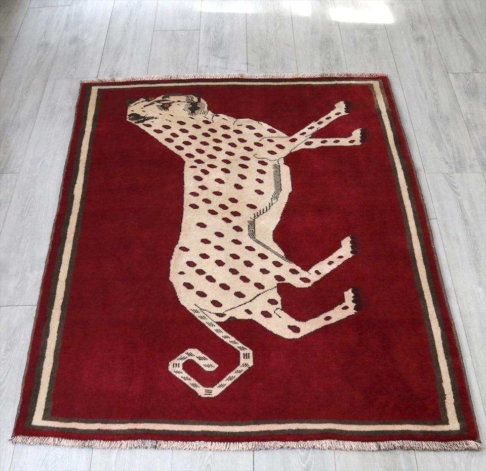 カシュカイ族の手織りラグ・オールドギャッベ /ライオンラグ165x110cm レッド・白いヒョウ