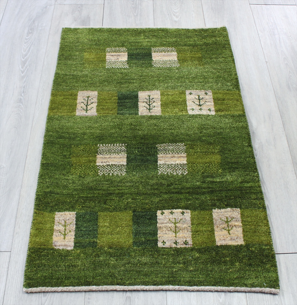 ギャッベ シラーズ ・カシュカイ族の手織り・アマレバフ・玄関マットサイズ92x58cm グリーン・スクエア 生命の樹