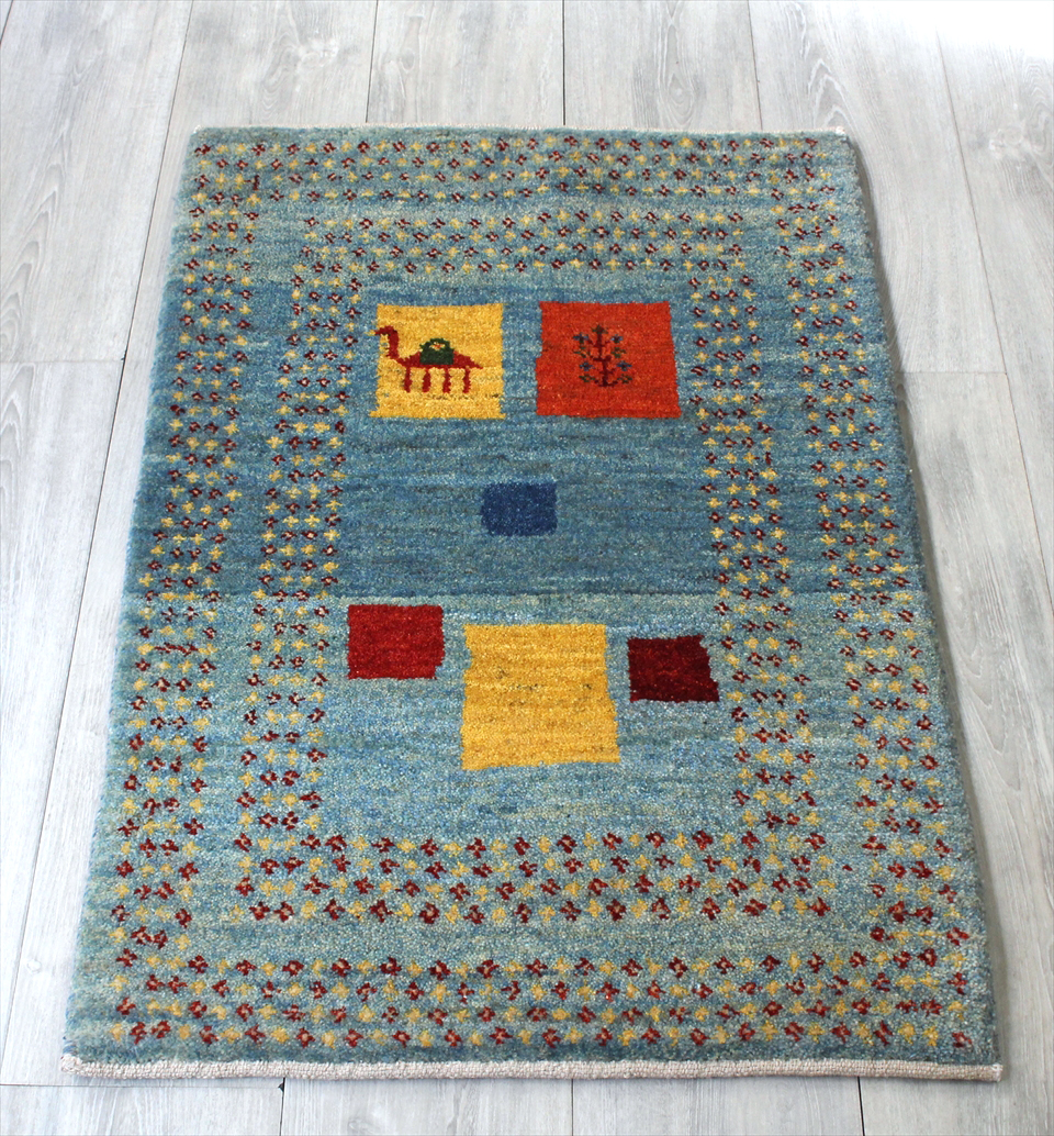 ギャッベ・ワンランク上の織りアマレバフ イラン手織りラグ・玄関マットサイズ92x61cm ブルーグレー 小さな花のスクエアデザイン