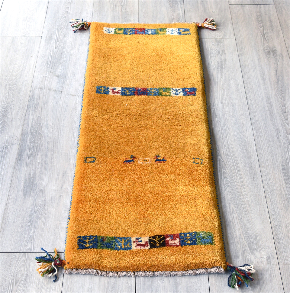 ギャッベ イラン手織りラグ・細長ランナーサイズ 110x42cm イエロー タイルの3連ストライプ
