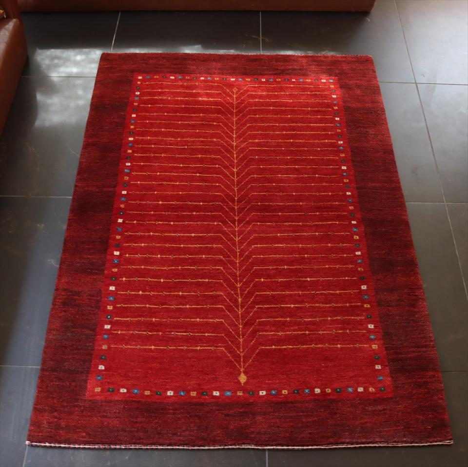ギャッベ 手織り アクセントラグサイズ154x106cm レッド/レッド 生命の樹 カラフルスクエア 井戸