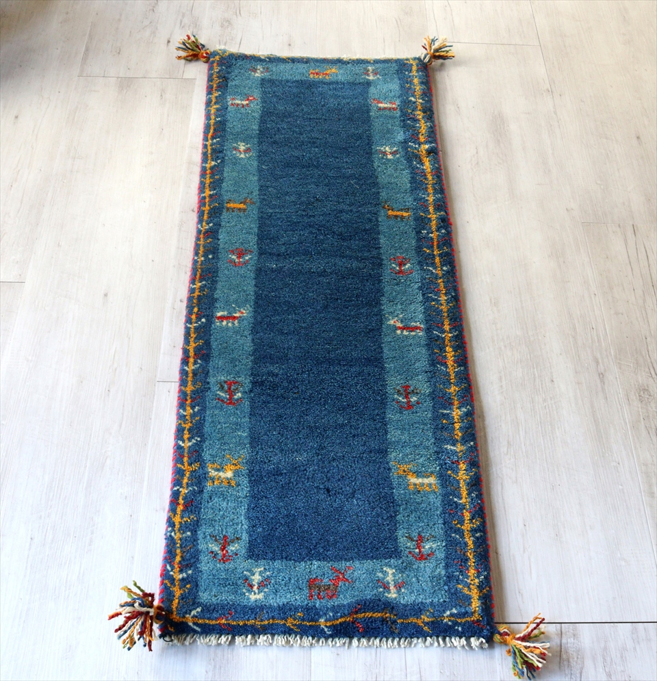 ギャベ gabbeh イラン遊牧民の手織りラグ 細長ランナーサイズ 115x42cm ブルー ボーダー カラフルな動物と植物モチーフ