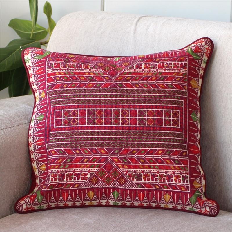 パレスチナ刺繍のクッションカバー41×40cm緻密なモチーフ/レッド・グリーン・イエロー
