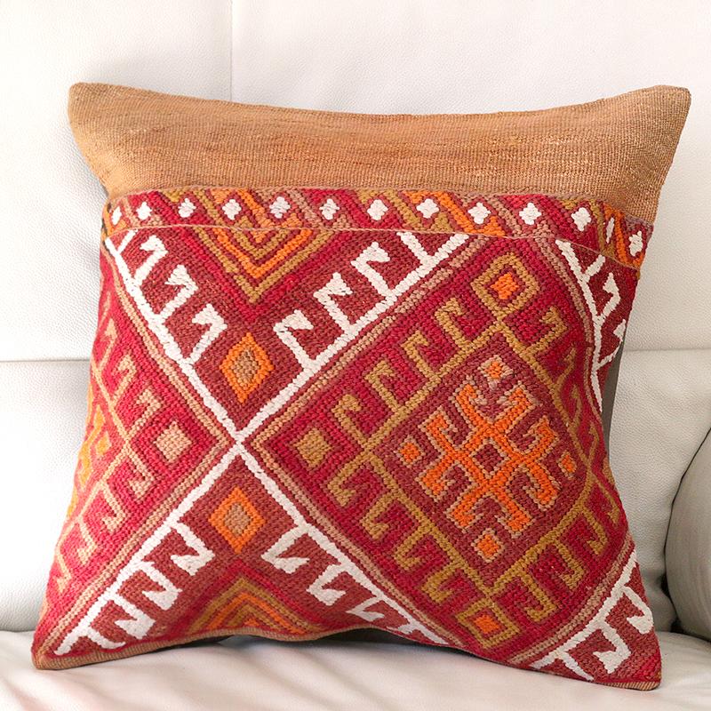 キリムクッションカバー40cm角・トルコ手織りキリム/ヴィンテージ・オールドKilim Cushion 目の詰まったスマック織り・収納袋からのカット