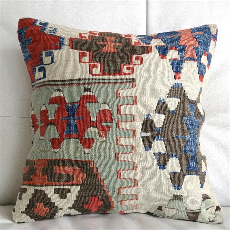 アンティークキリムクッションカバー 40cm・Old Turkish Kilim Cushion アイドゥン/赤と青とライトグリーン