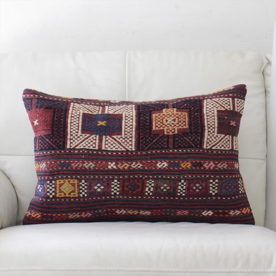 オールドキリムクッションカバー・長方形・枕型・ビッグピロー Old Turkish Kilim Cushion トルコのウール手織りキリム60×39cmバルケスィール/小豆色・紺と白のジジム