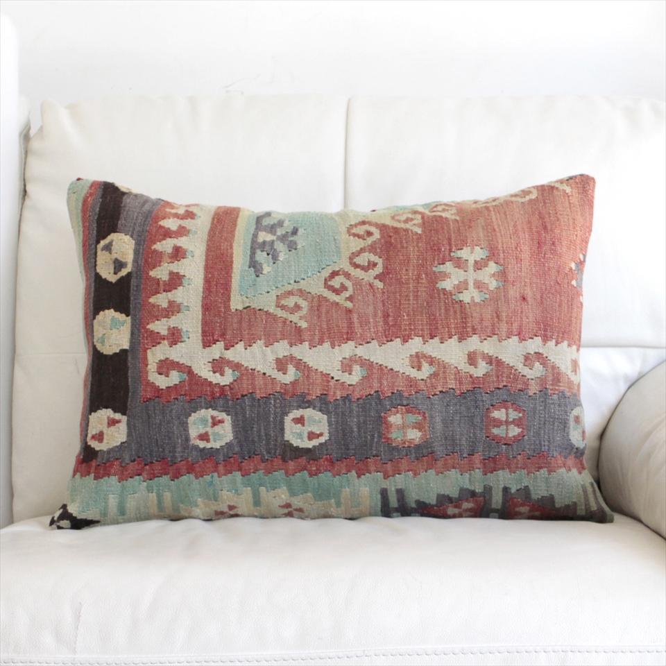 オールドキリムクッションカバー・長方形・枕型・ビッグピロー Old Turkish Kilim Cushion トルコのウール手織りキリム59×40cmシワス・シャルキュスラ