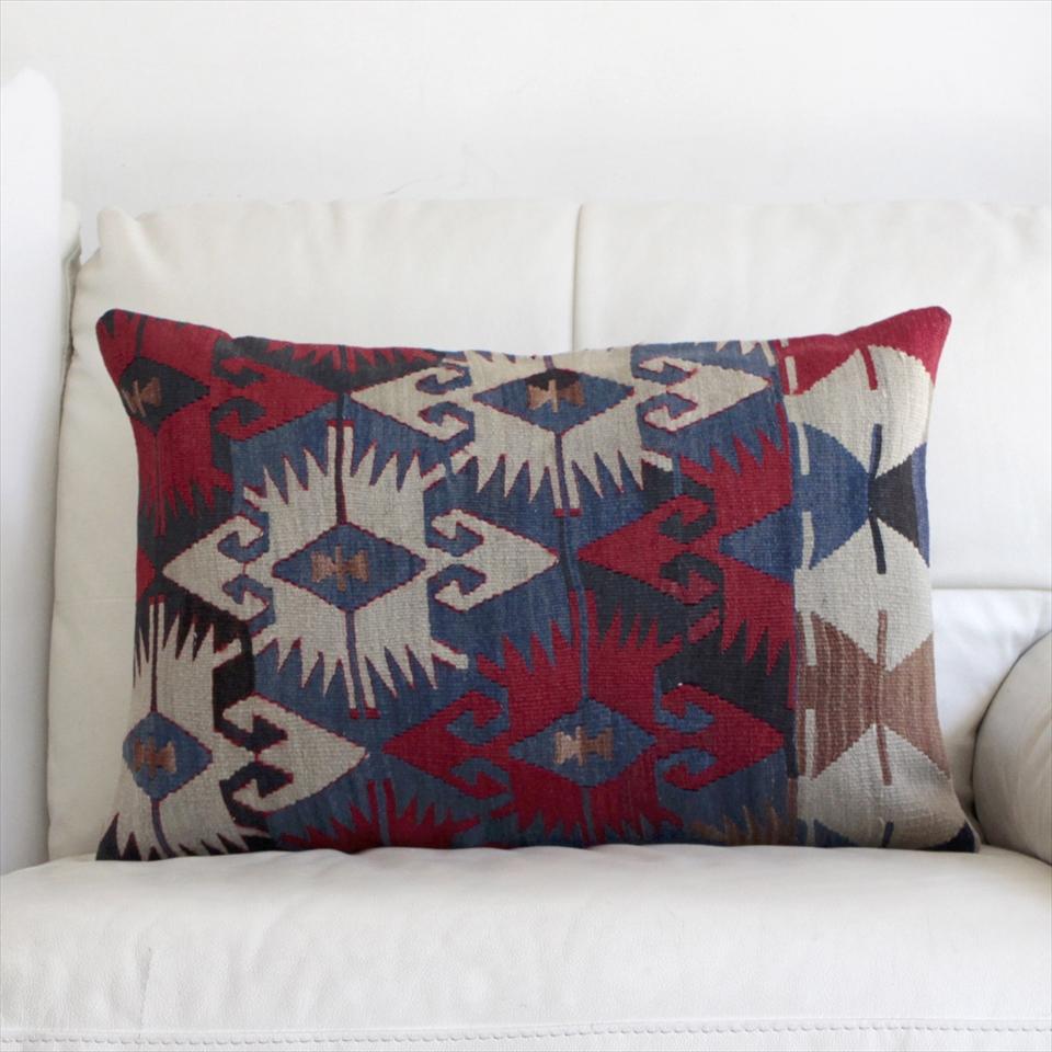 オールドキリムクッションカバー・長方形・枕型・ビッグピロー Old Turkish Kilim Cushion トルコのウール手織りキリム60×40cm連なるエリベリンデ