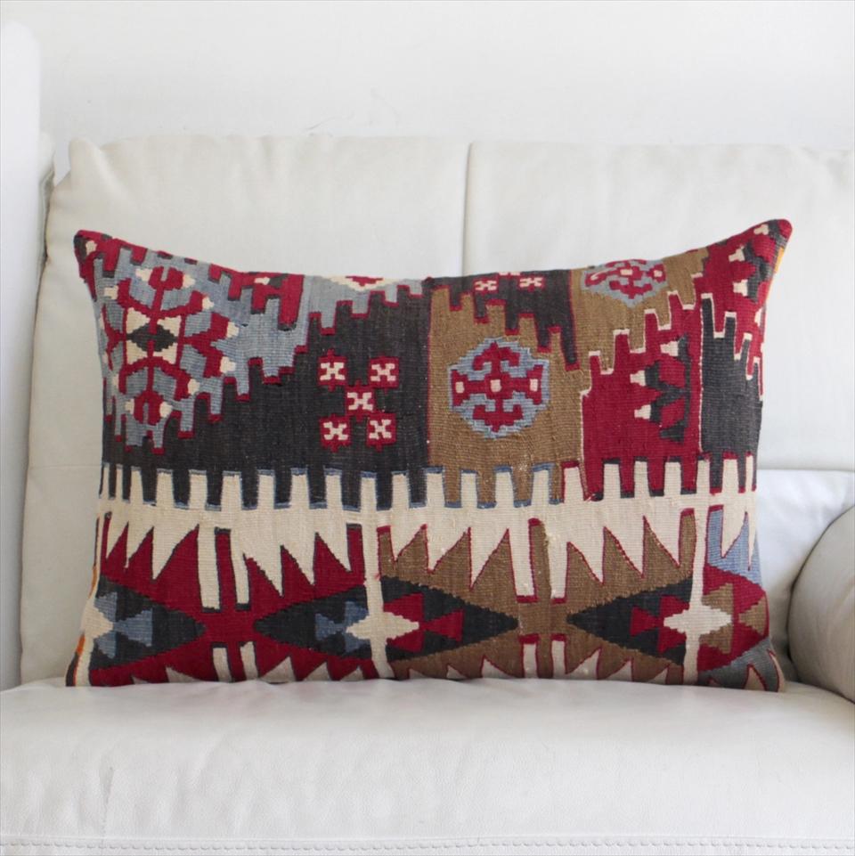 オールドキリムクッションカバー・長方形・枕型・ビッグピロー Old Turkish Kilim Cushion トルコのウール手織りキリム60×40cmシブリヒサル/階段状の三角モチーフ
