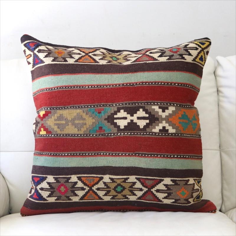 オールドキリムクッションカバー 60cm角 ビッグピロー Old Turkish Kilim Cushion レッド&グリーンのボーダー・幾何学モチーフ