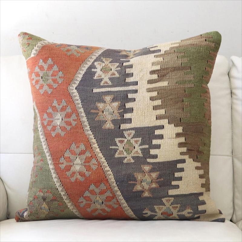 オールドキリムクッションカバー 60cm角 ビッグピロー Old Turkish Kilim Cushion 階段状のひし形モチーフ/シワス