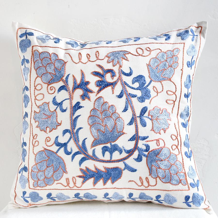 クッションカバー45cm角 ウズベキスタンスザンニ suzani シルクの手刺繍青い果実