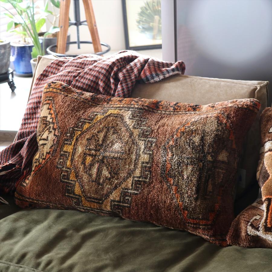 ヴィンテージ・パイル織りラグ クッションカバー72x44cmカルス/ドラゴンの爪をもつひし形モチーフ