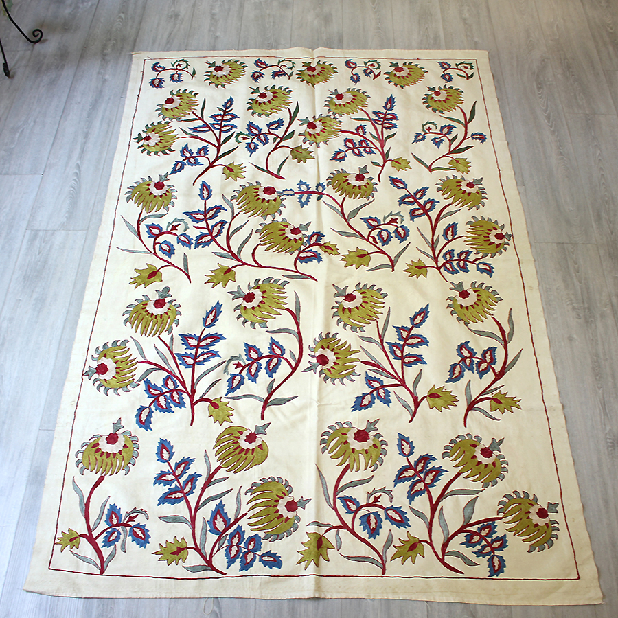 乌兹别克斯坦刺绣 Susanne アンティークリプロダクト 190 x 124 厘米活力花和蓝色、 红色和黄色绿色