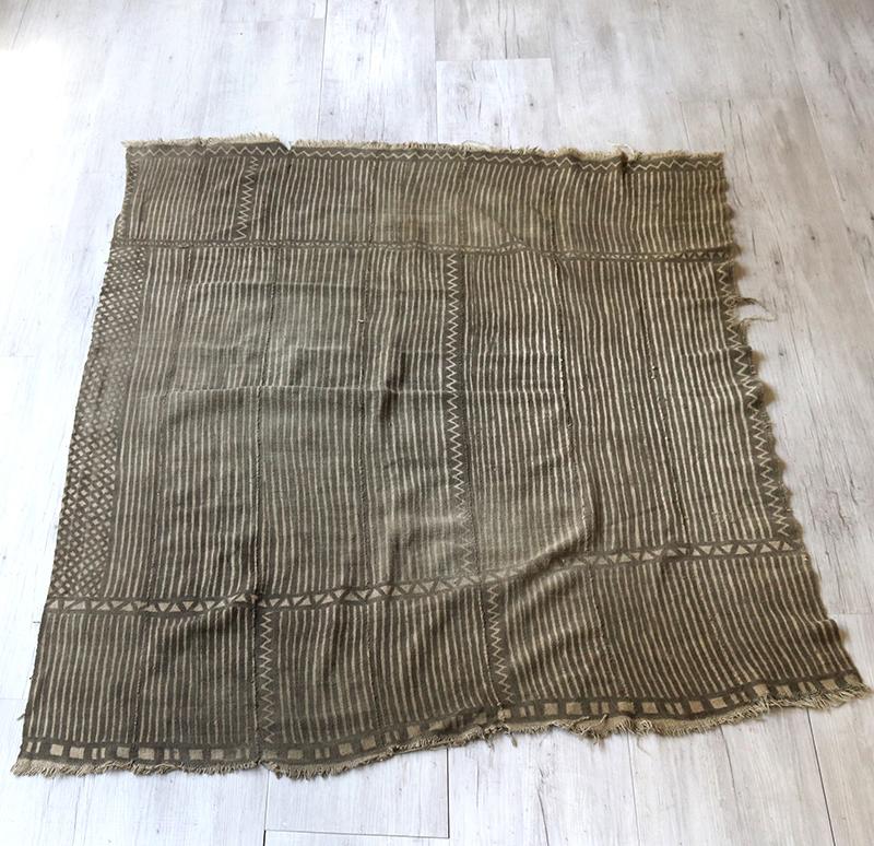 オールド・アフリカ泥染め布・マリ/ボゴラン Mud Cloth Mali, Bogolan色褪せたグレー