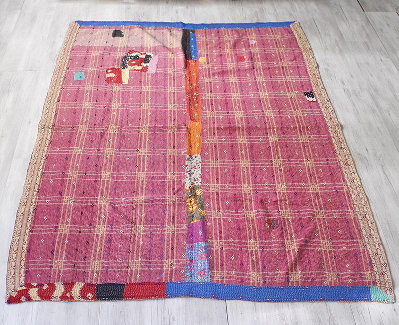 インド カンタ刺繍・パッチワーク/ラリーキルト 古布・ヴィンテージファブリック192×147cmピンクのチェック Kantha embroidery, India