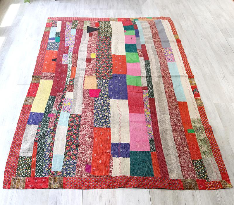 インド カンタ刺繍・パッチワーク/ラリーキルト 古布・ヴィンテージファブリック 235x160cmフラワー・カラフルなタイル Kantha embroidery, India