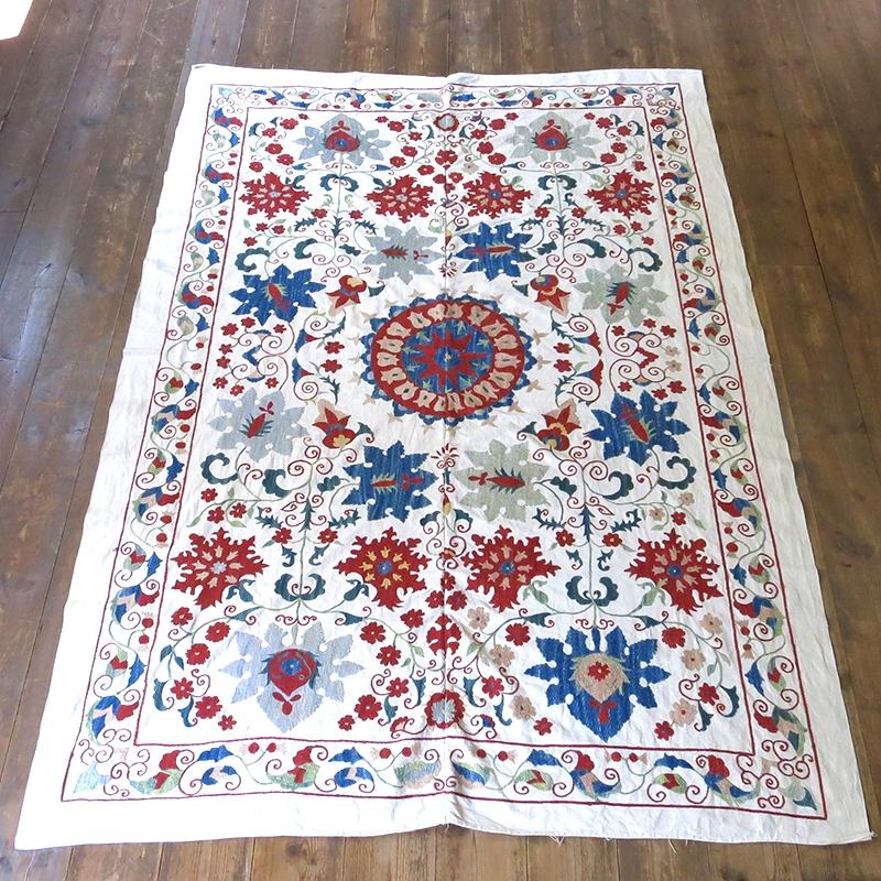 スザンニ・アンティークリプロダクション154×108cm太陽のような大輪の花/ウズベキスタン・シルク手刺繍