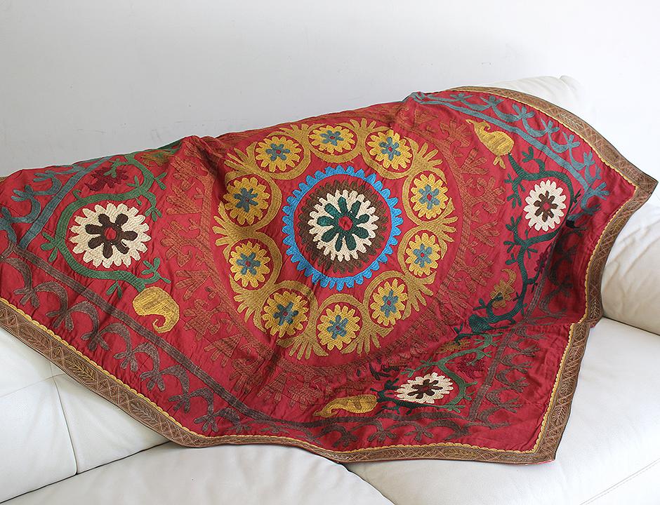 スザンニ(スザニ)・ウズベキスタンの刺繍布/オールド Vintage Suzani, Uzbekistan127×105cm黄色の大輪の花