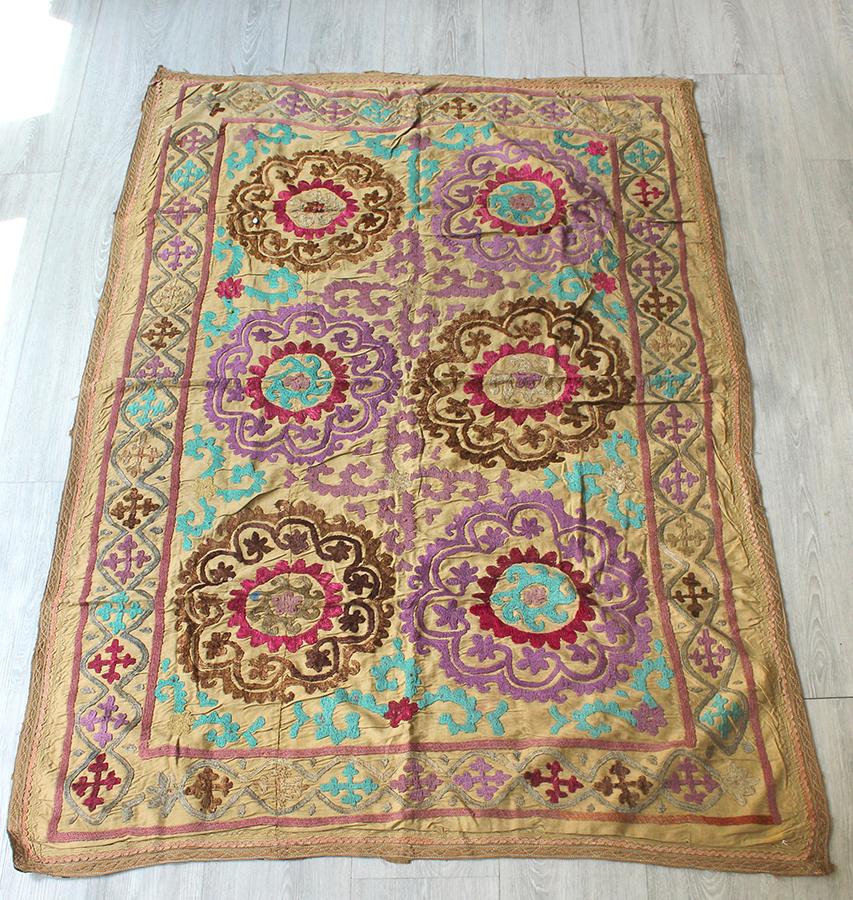 オールドスザンニ ウズベキスタンの刺繍布 Uzbekistan Suzani143×101cmパープルとブラウンの連続する花