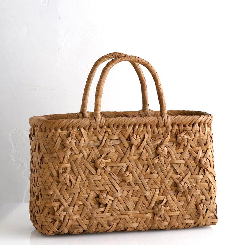 やまぶどう・カゴバッグ/花模様・乱れ編み・削り仕上げ・大サイズ幅34cmx本体の高さ22cmxマチ11cm・重さ540g