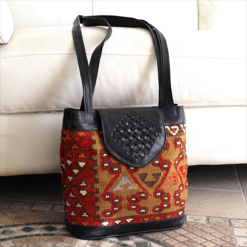 オールドキリムと革のバッグフタのあるショルダー/トルコ製