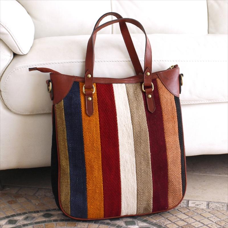 オールドキリムと革のバッグ・オデオン/ショルダーベルト付 カラフルペルデのパッチワーク/トルコ製