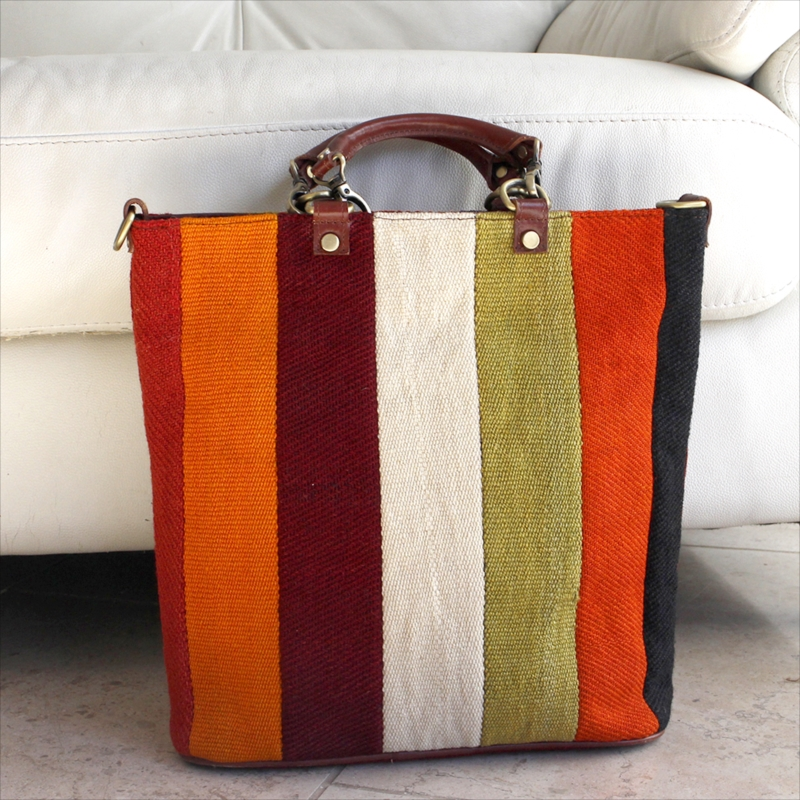 オールドキリムと革のバッグ・スクエアトート/ショルダーベルト付 カラフルペルデのパッチワーク/トルコ製