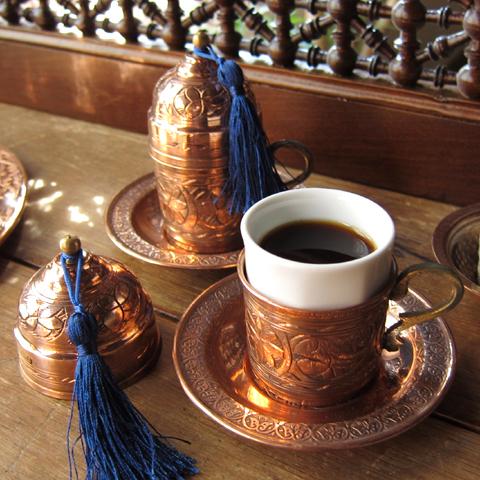 トルココーヒーカップ&ソーサー銅製カバー付2客セットブロンズ(フリンジは3色から選べます)・トルコお土産