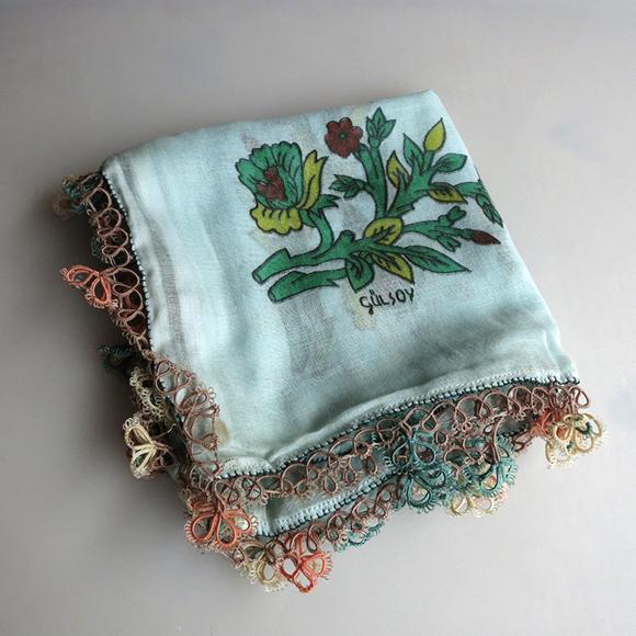 トルコの伝統手芸・シャトルワークのイーネ・オヤスカーフ ミントグリーン