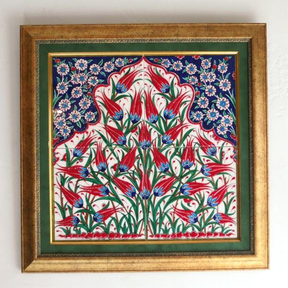 トルコタイル・手書きイズニックデザイン4枚額装品赤いチューリップ・馬蹄形ミフラープ