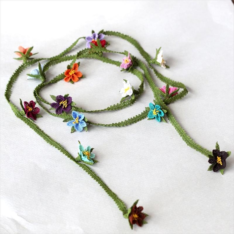 イーネ・オヤ カラフルな花のラリエットネックレス/トルコ伝統のシルクレース