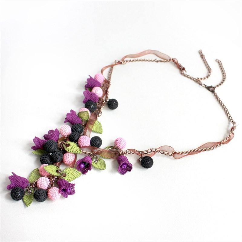 イーネ・オヤ ネックレス刺繍針で編むシルク糸のトルコ伝統レース ハンドメイド 花 すずらん
