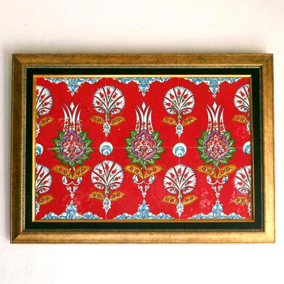 トルコ伝統柄・手書きタイル6枚パネル額装品横型レッド・チューリップとカーネーション