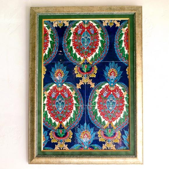 トルコ伝統柄・手書きタイル6枚パネル額装コバルトブルー/楕円の紋章・チューリップ
