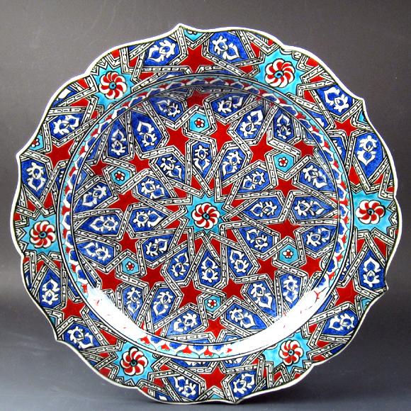 トルコ・キュタフヤ地方の手書き陶器30cmプレート・絵皿(飾り皿) セルチュク/イスラミックデザイン