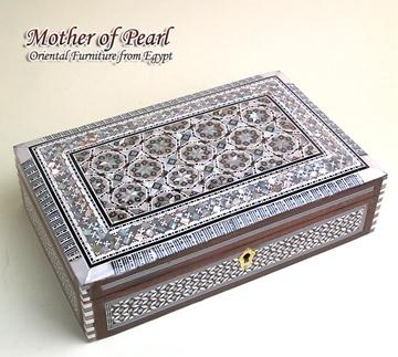 Mother of Pearl 螺鈿(らでん)のジュエリーボックス(rebox-q02)エジプト製イスラミックな幾何学デザインの宝石箱