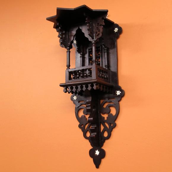 エジプト工芸木製家具・壁掛け飾り棚シェルフ・マシャラビアW23×H52×D22cm