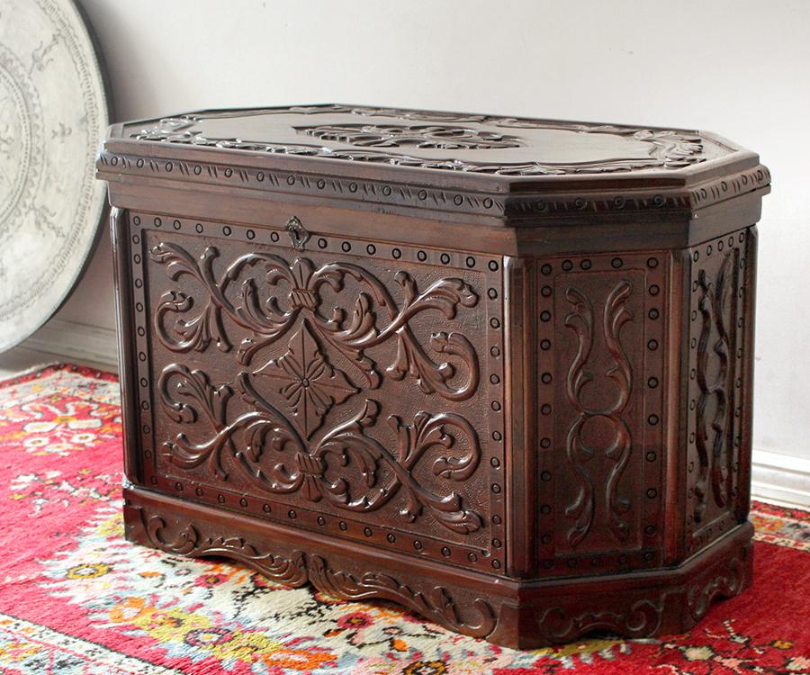 トルコの宝箱サンドゥック 木製ブランケットボックス・オクタゴン・黒海地方の伝統様式 W88×H52×D48cm