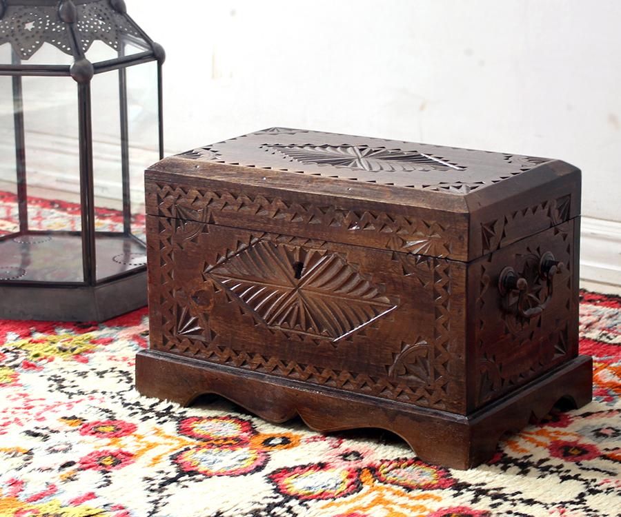 アンティークスタイル・トルコの宝箱サンドゥック・黒海地方の伝統様式・W29.5×H20.5×D18cm