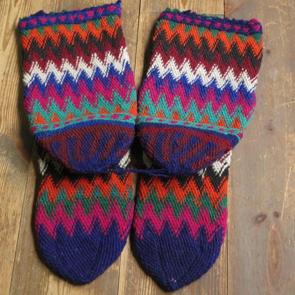 アンティーク・トルコ手編みウール靴下マルチカラー・ネイビー/カラフルなジグザグボーダー/22cm