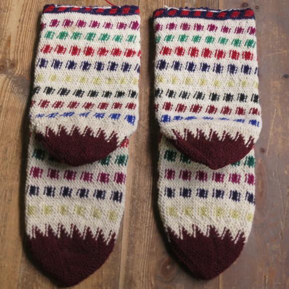 アンティーク・トルコ手編みウール靴下マルチカラー・アイボリー/カラフルなジグザグボーダー/24cm