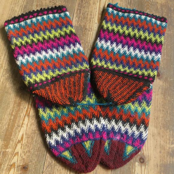 アンティーク・トルコ手編みウール靴下マルチカラー・オレンジ/カラフルなジグザグボーダー/23cm