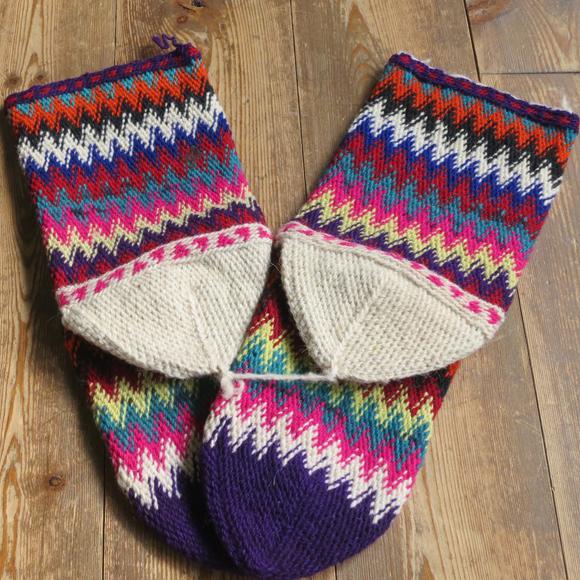 ※ラッピング ※ アンティーク トルコ手編みウール靴下マルチカラー パープル 24cm ご予約品 カラフルなジグザグボーダー
