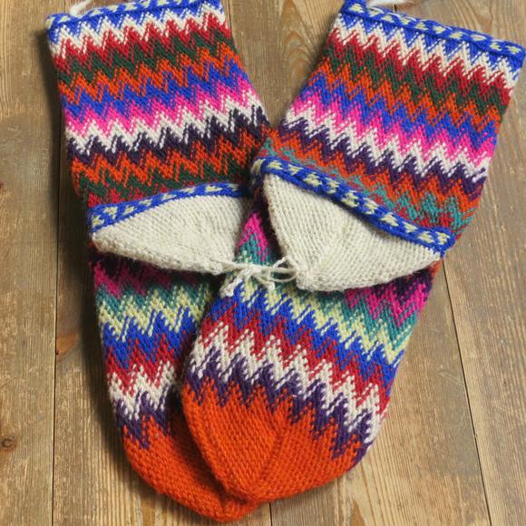 アンティーク・トルコ手編みウール靴下マルチカラー・オレンジ/カラフルなジグザグボーダー