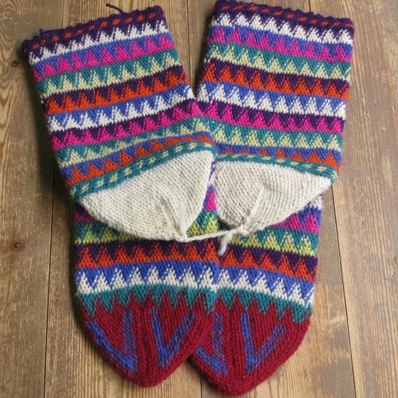 アンティーク・トルコ手編みウール靴下マルチカラー・レッド/カラフルなジグザグボーダー/23cm