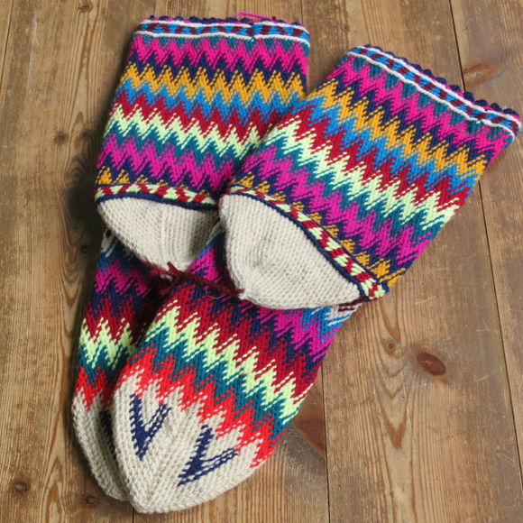 アンティーク・トルコ手編みウール靴下マルチカラー・アイボリー/カラフルなジグザグボーダー/25cm