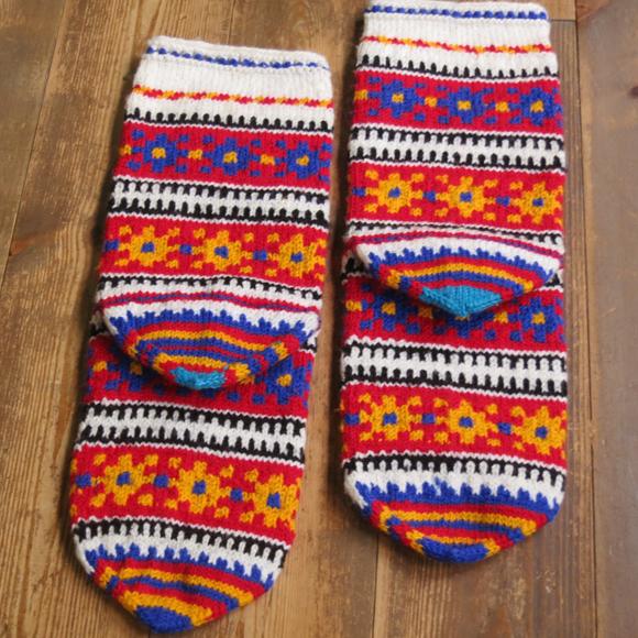 トルコ・ボヘミアン風トルコ手編み靴下マルチカラー・レッド/カラフル小花ボーダー/24cm